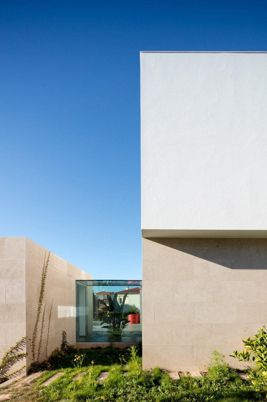 Дом в Обидуше, Португалия, от студии RSM arquitecto и Russell Jones Architects 16