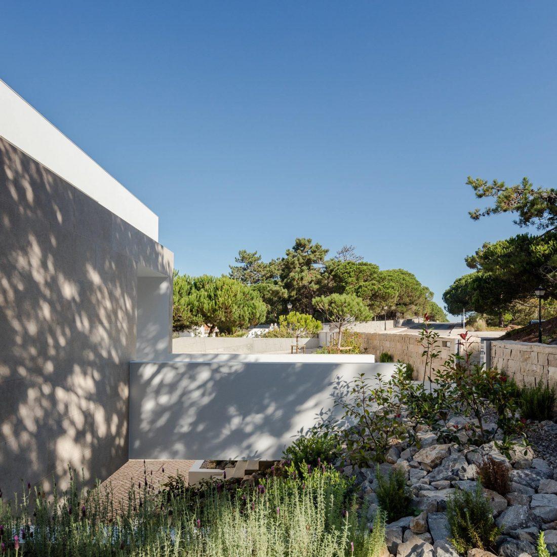 Дом в Обидуше, Португалия, от студии RSM arquitecto и Russell Jones Architects 18
