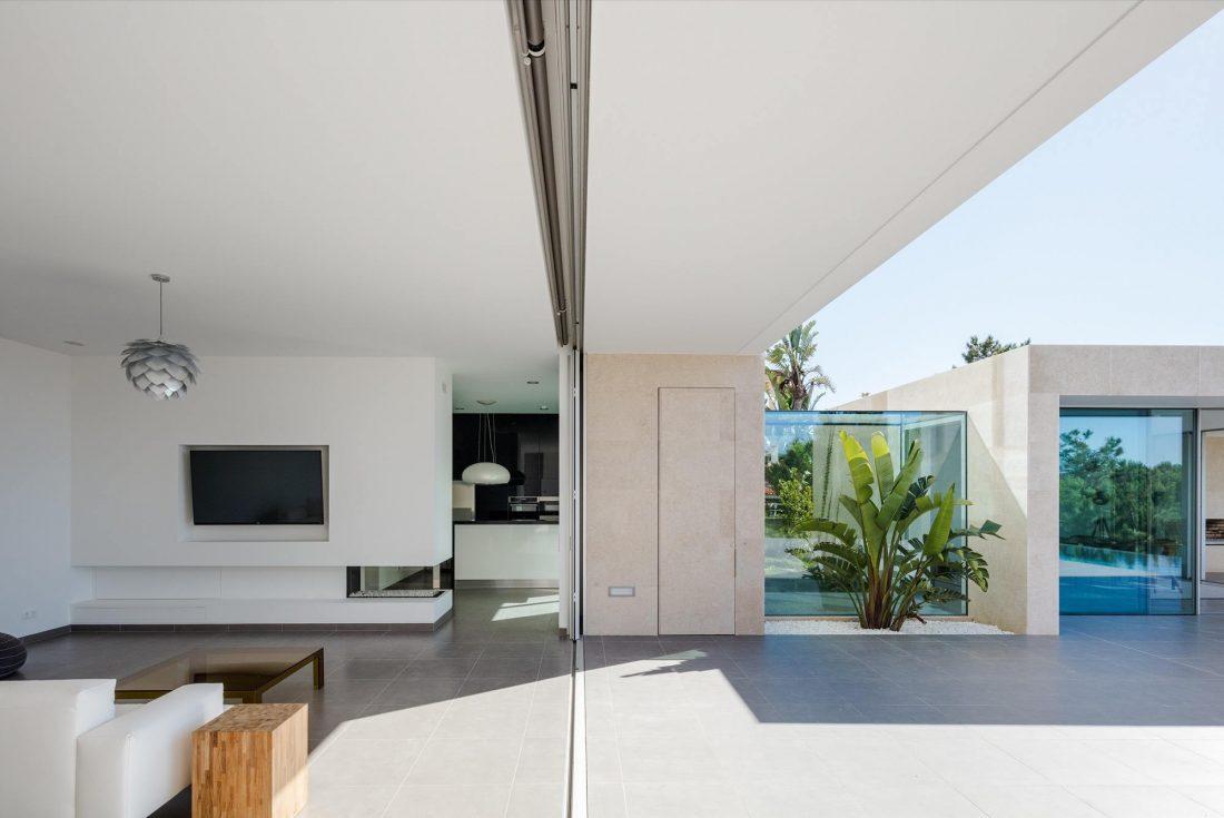 Дом в Обидуше, Португалия, от студии RSM arquitecto и Russell Jones Architects 2