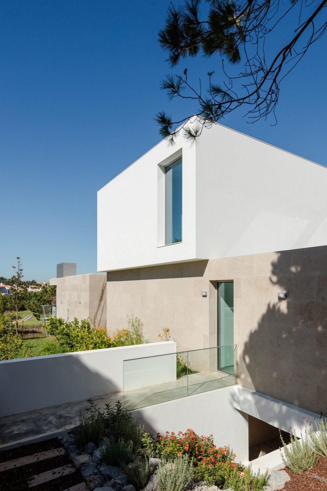 Дом в Обидуше, Португалия, от студии RSM arquitecto и Russell Jones Architects 4
