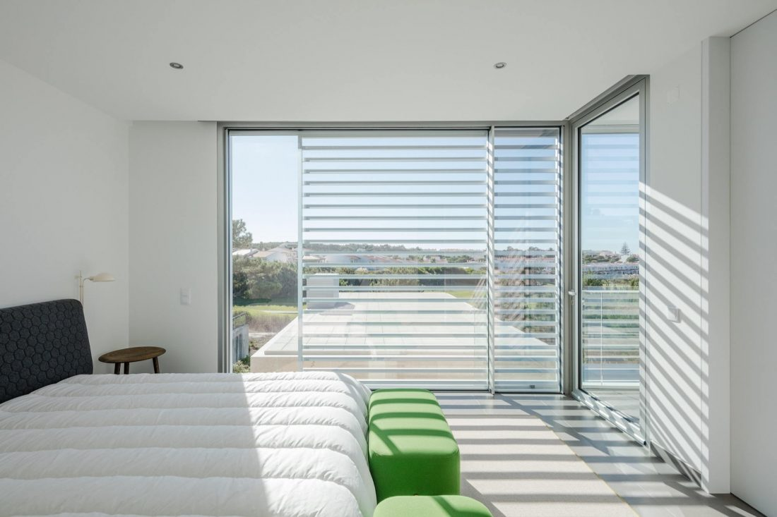 Дом в Обидуше, Португалия, от студии RSM arquitecto и Russell Jones Architects 9