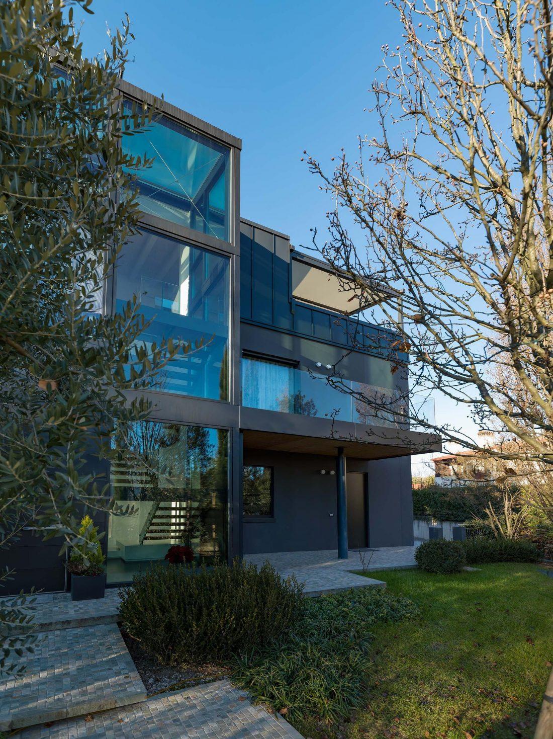 Дом в Порденоне, Италия, от студии Caprioglio Associati Architects 14