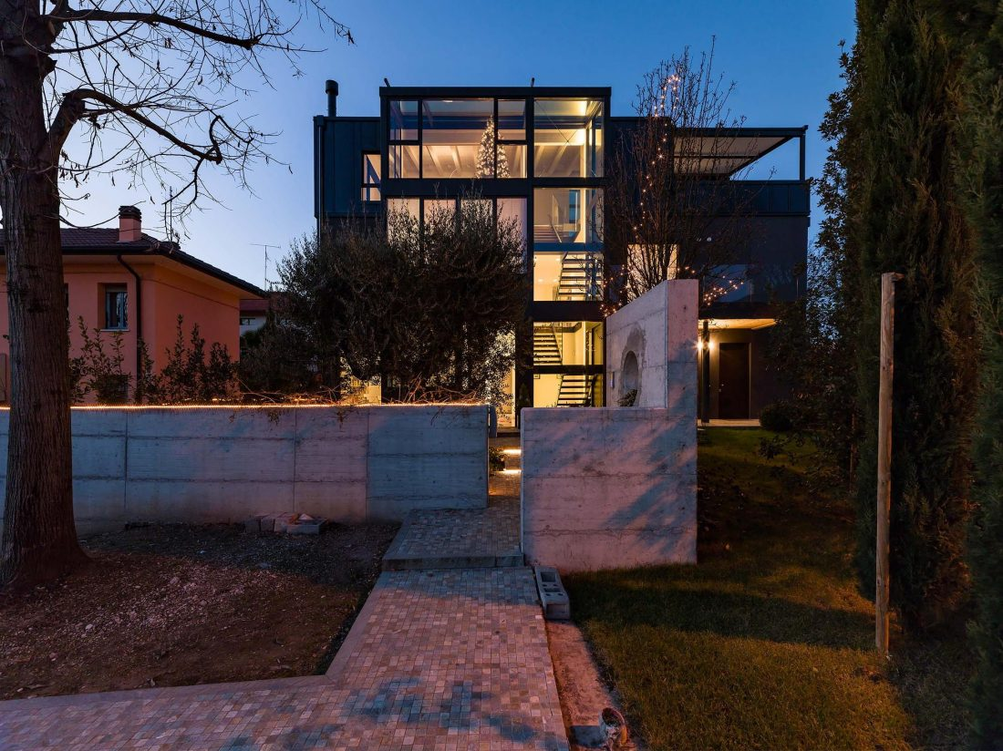 Дом в Порденоне, Италия, от студии Caprioglio Associati Architects 37