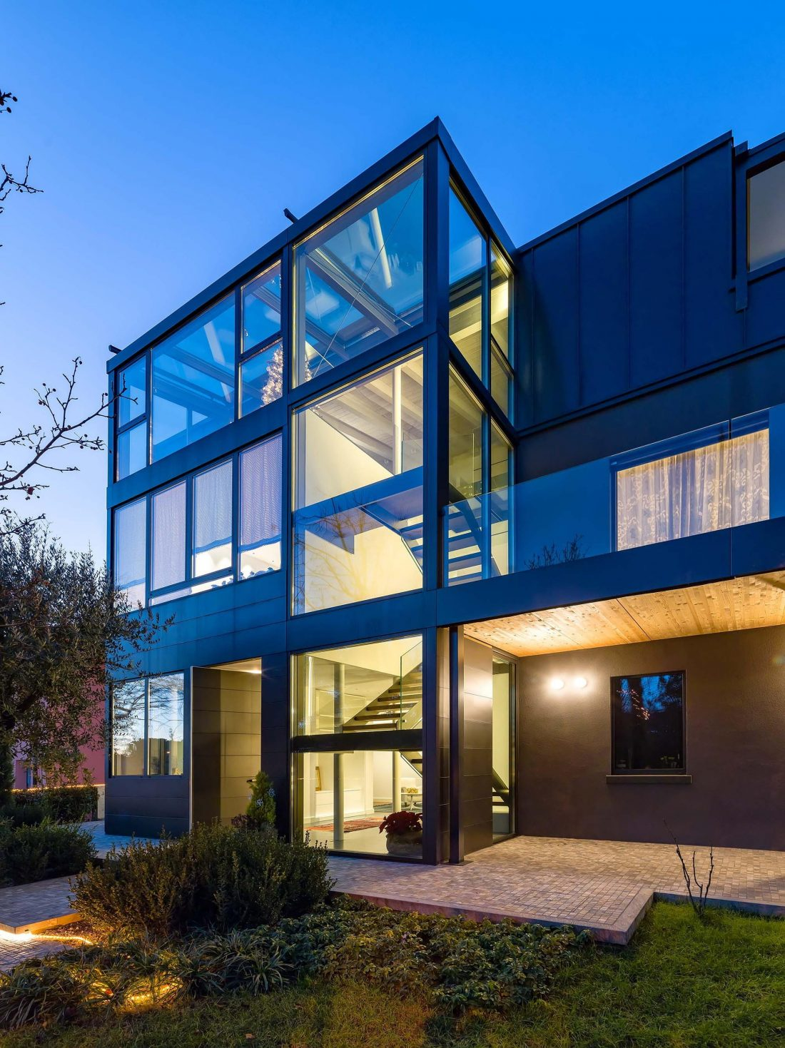 Дом в Порденоне, Италия, от студии Caprioglio Associati Architects 6