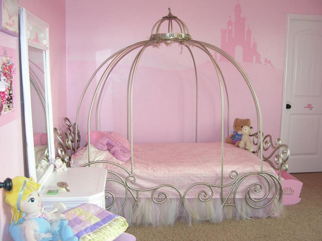 Спальня в розовых тонах — для романтических натур 9
