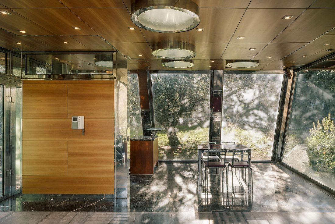 Стеклянный дом в лесу по проекту студии PENELAS ARCHITECTS 11