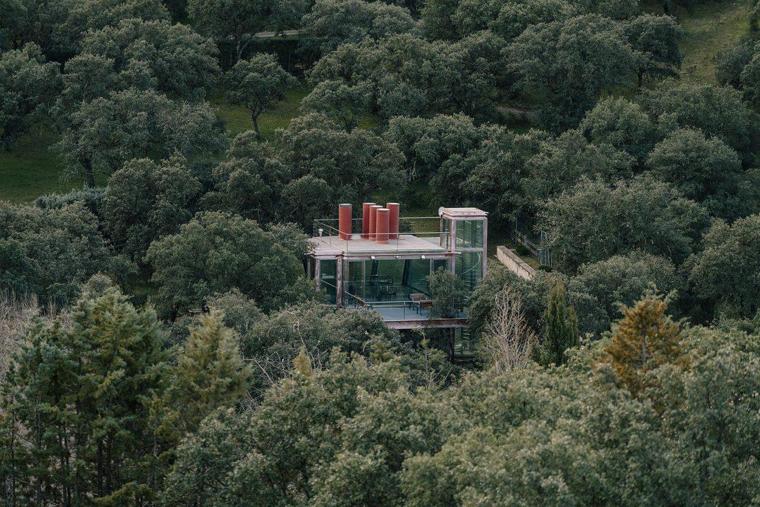 Стеклянный дом в лесу по проекту студии PENELAS ARCHITECTS 4