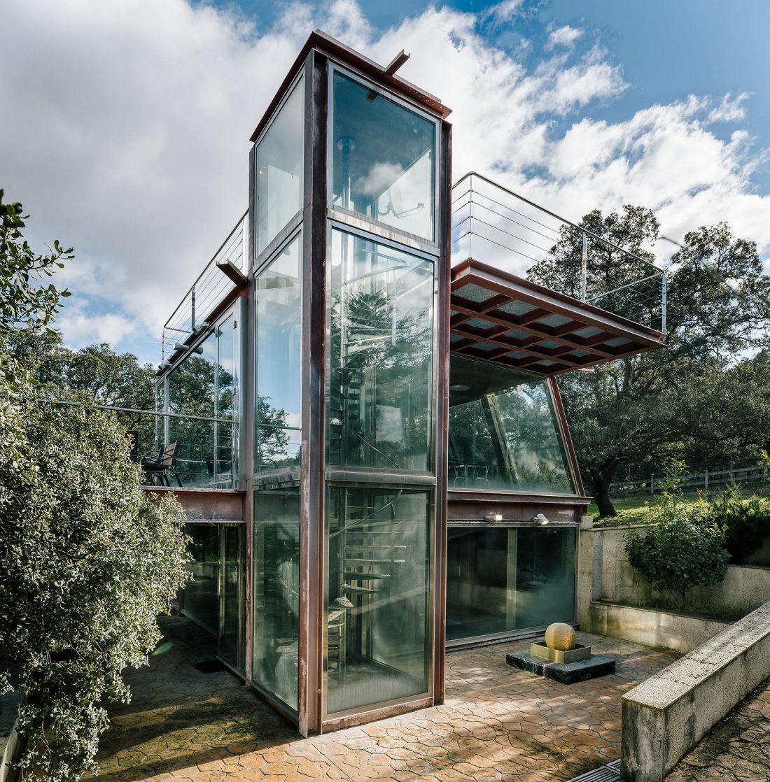 Стеклянный дом в лесу по проекту студии PENELAS ARCHITECTS 5