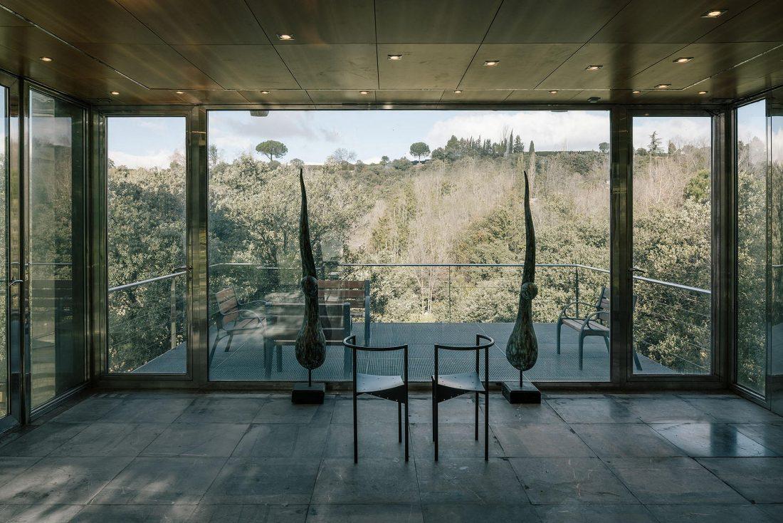 Стеклянный дом в лесу по проекту студии PENELAS ARCHITECTS 6