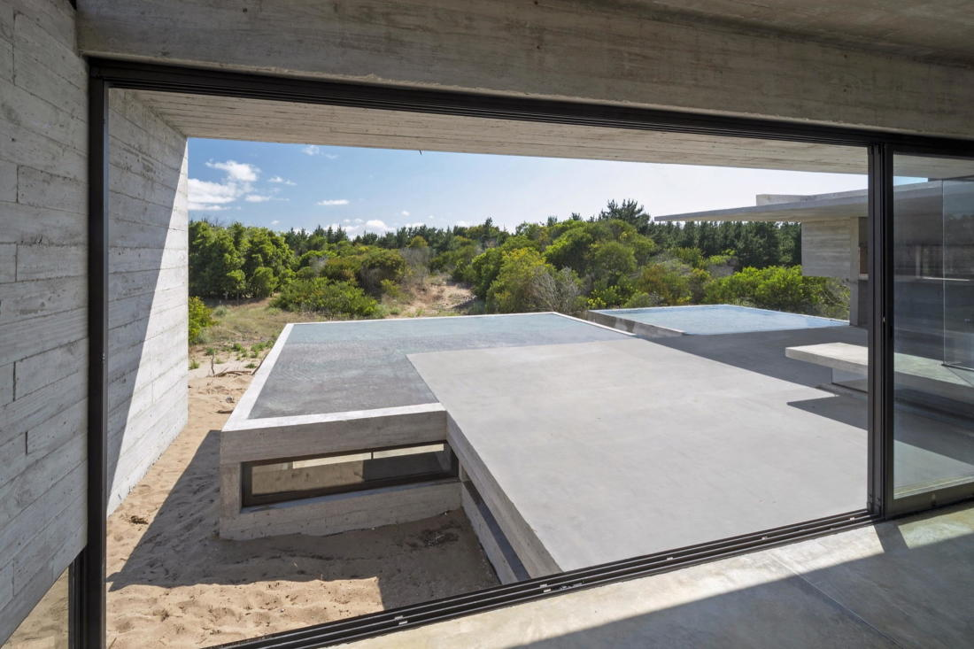 Дом в дюнах Аргентины от ателье Luciano Kruk 11