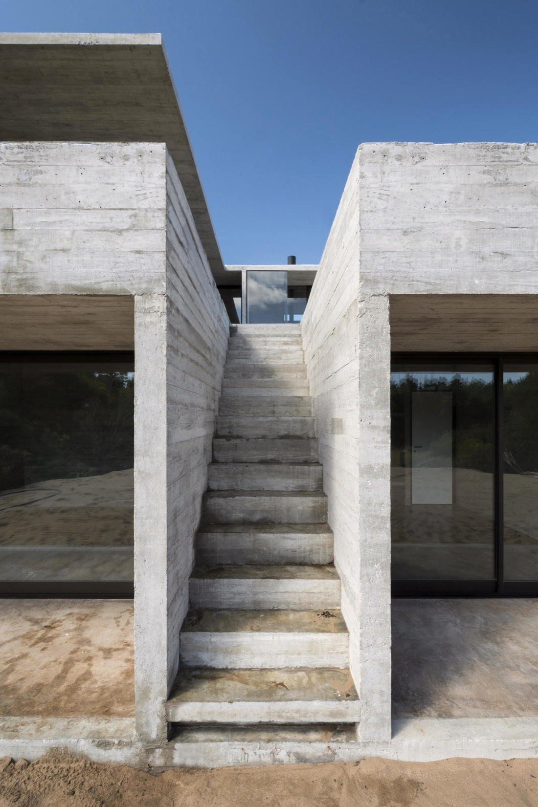 Дом в дюнах Аргентины от ателье Luciano Kruk 12