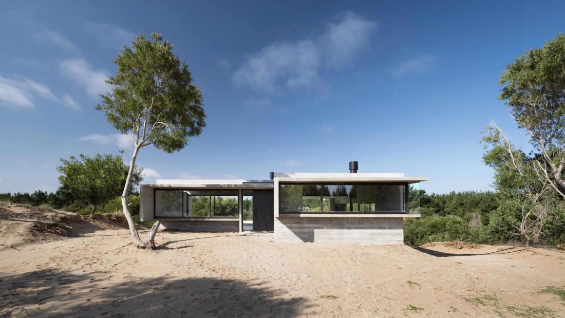 Дом в дюнах Аргентины от ателье Luciano Kruk 5