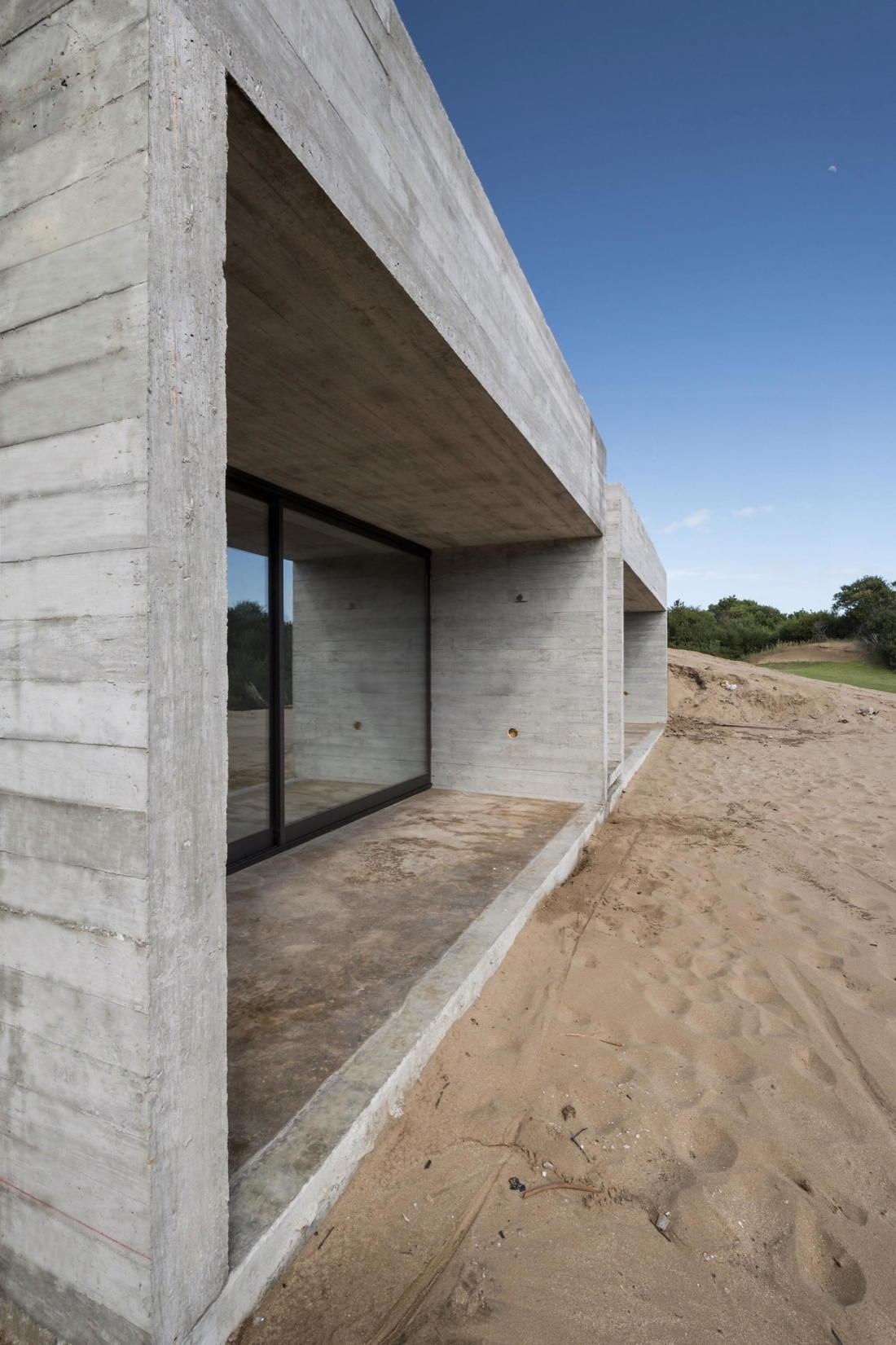 Дом в дюнах Аргентины от ателье Luciano Kruk 7