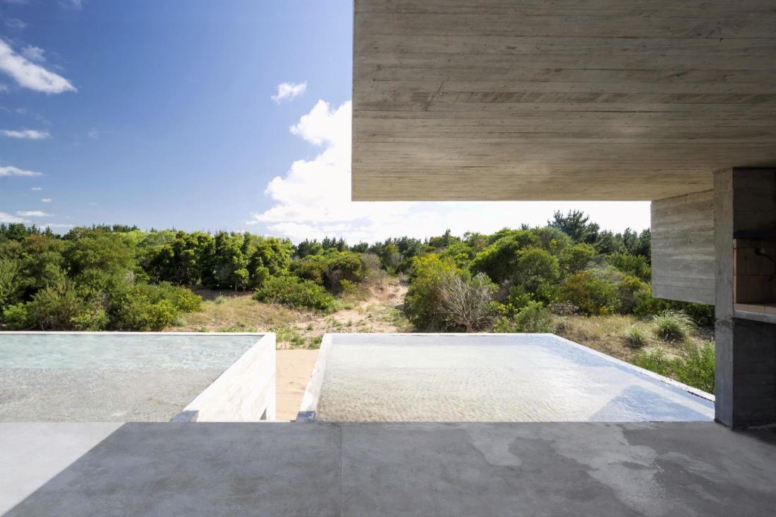 Дом в дюнах Аргентины от ателье Luciano Kruk 9