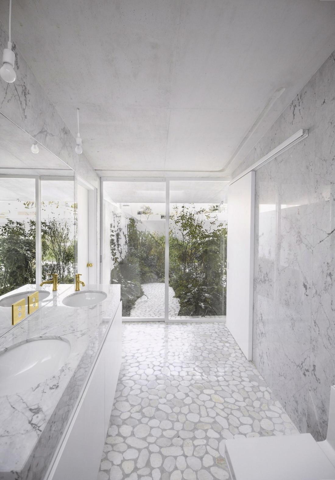 Дом в самом центре Мехико от студии Zeller & Moye 10