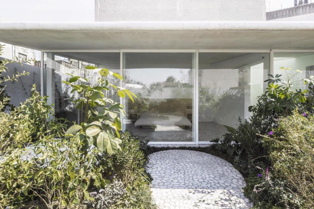 Дом в самом центре Мехико от студии Zeller & Moye 11