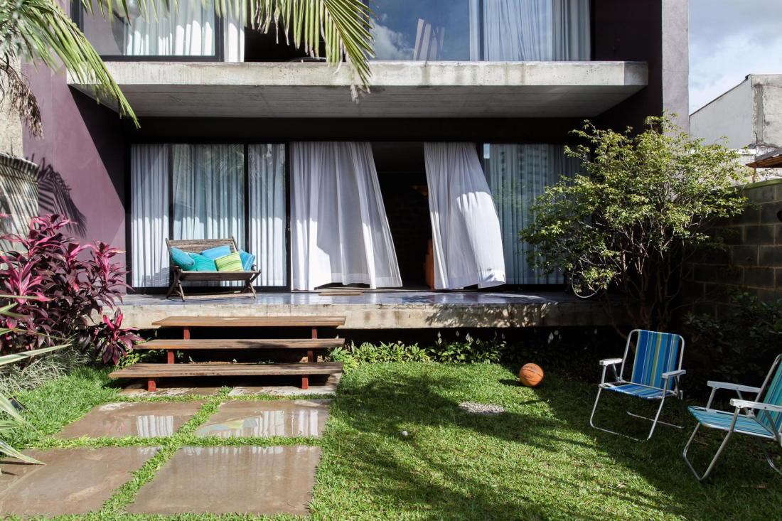 Богемный интерьер дома в Бразилии от ARKITITO Arquitetura 3