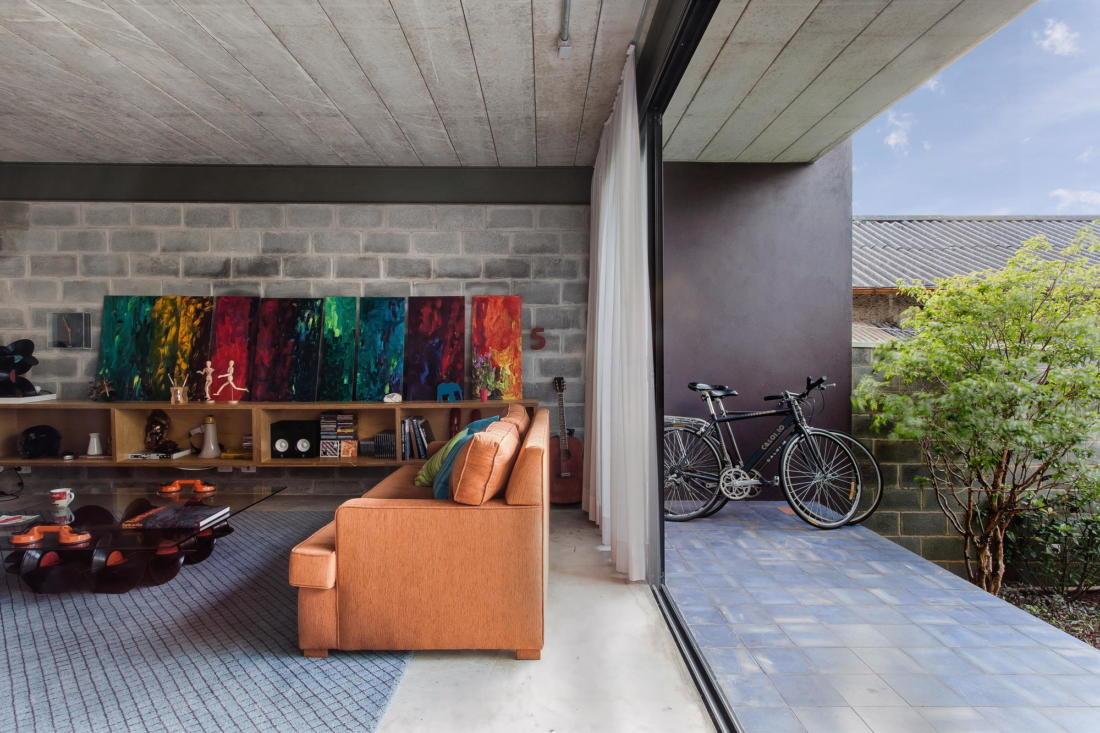 Богемный интерьер дома в Бразилии от ARKITITO Arquitetura 5