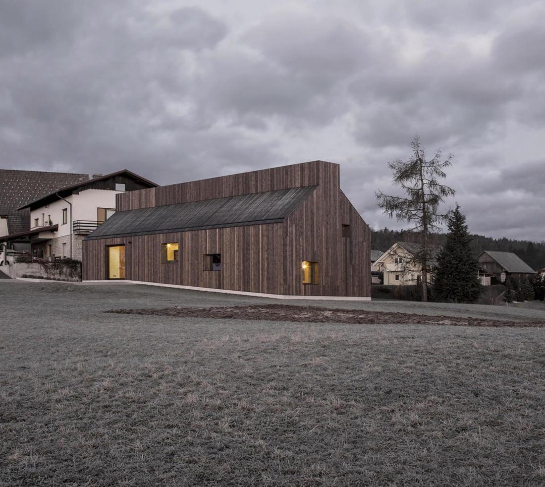Дом-дымоход в Словении от студии Dekleva Gregoric 10