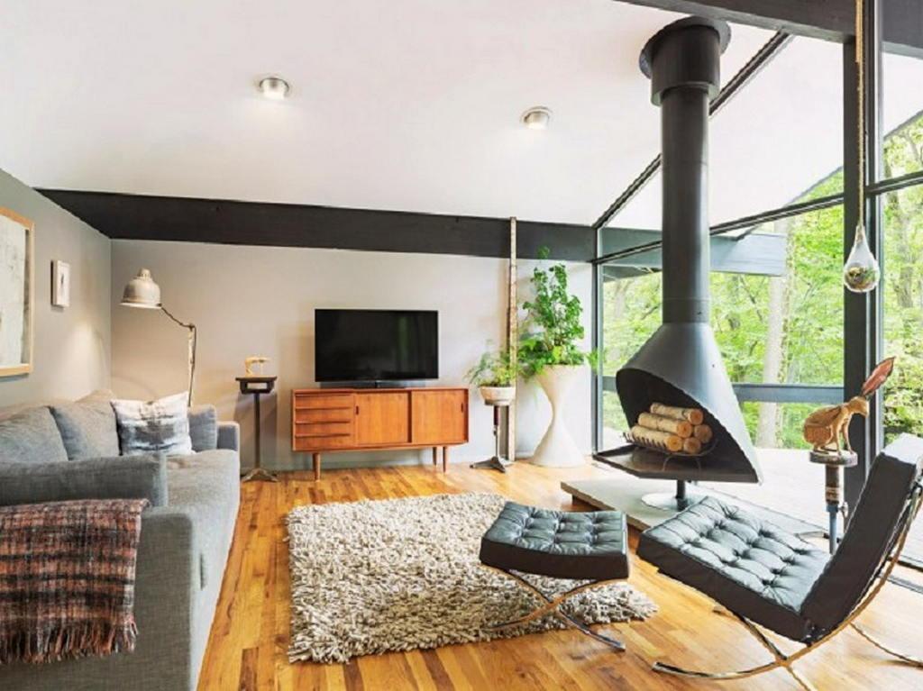 Тепло и уют — камин в интерьере квартиры и дома 18