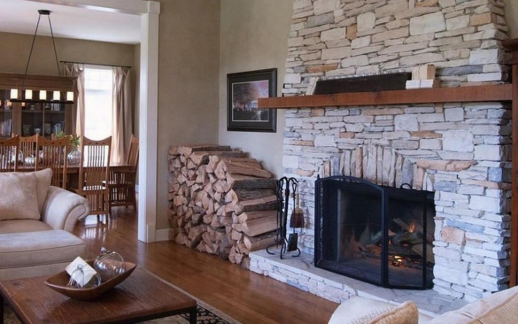 Тепло и уют — камин в интерьере квартиры и дома 45