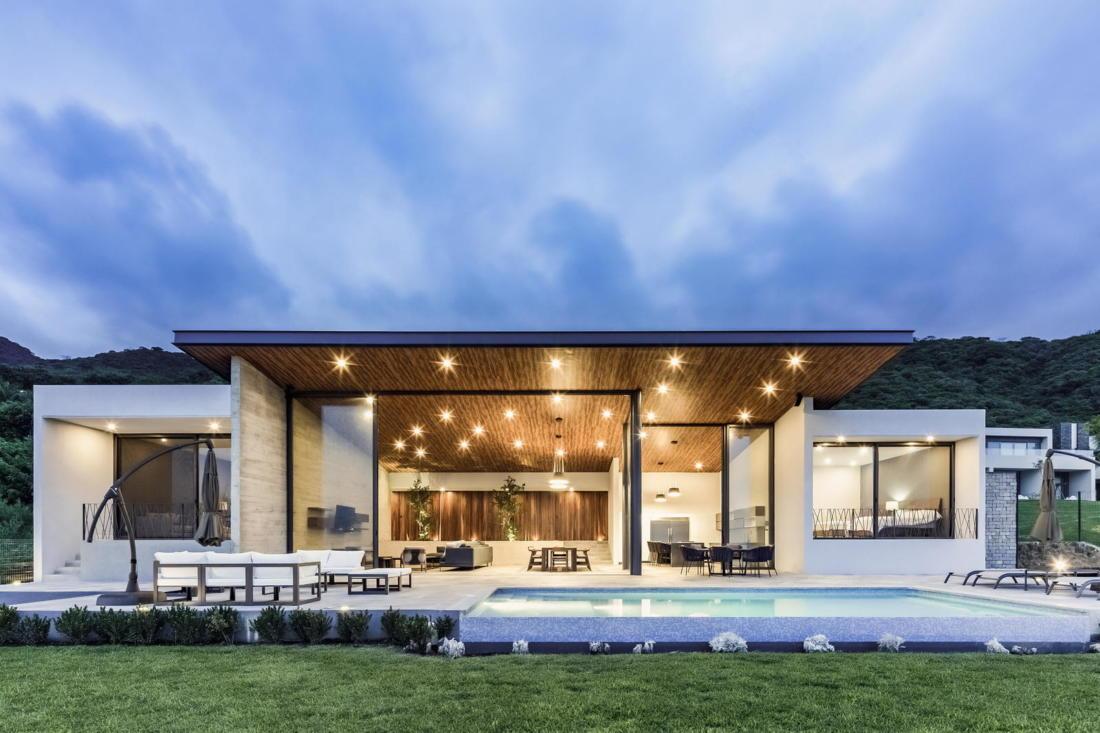 Дом у озера от студии FARQ Arquitectos 10