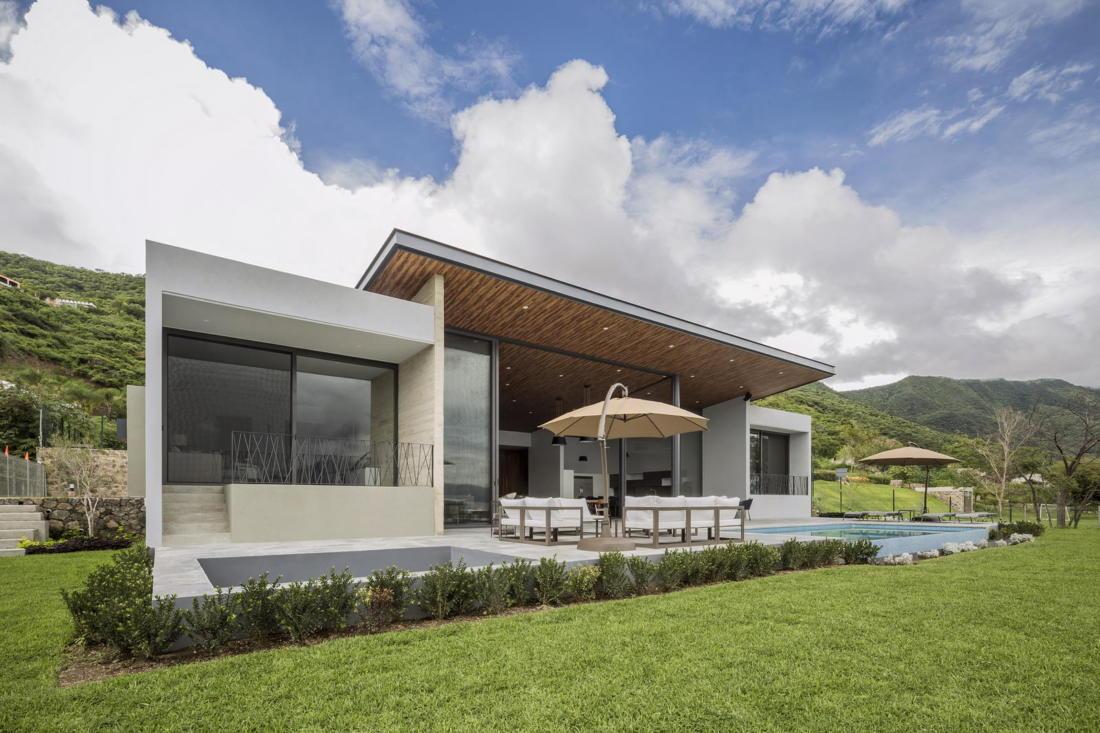 Дом у озера от студии FARQ Arquitectos 13