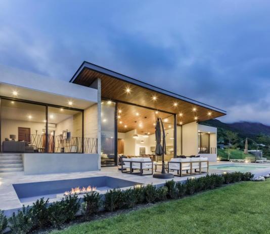 Дом у озера от студии FARQ Arquitectos 6