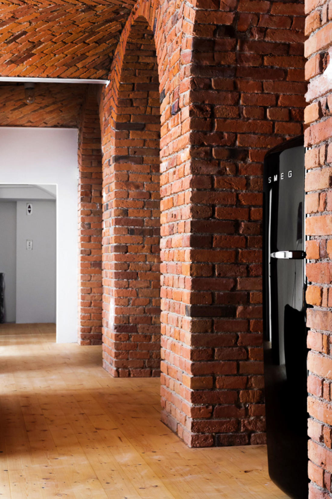 Лофт на Мармеладной фабрике от студии Loft Szczecin 12