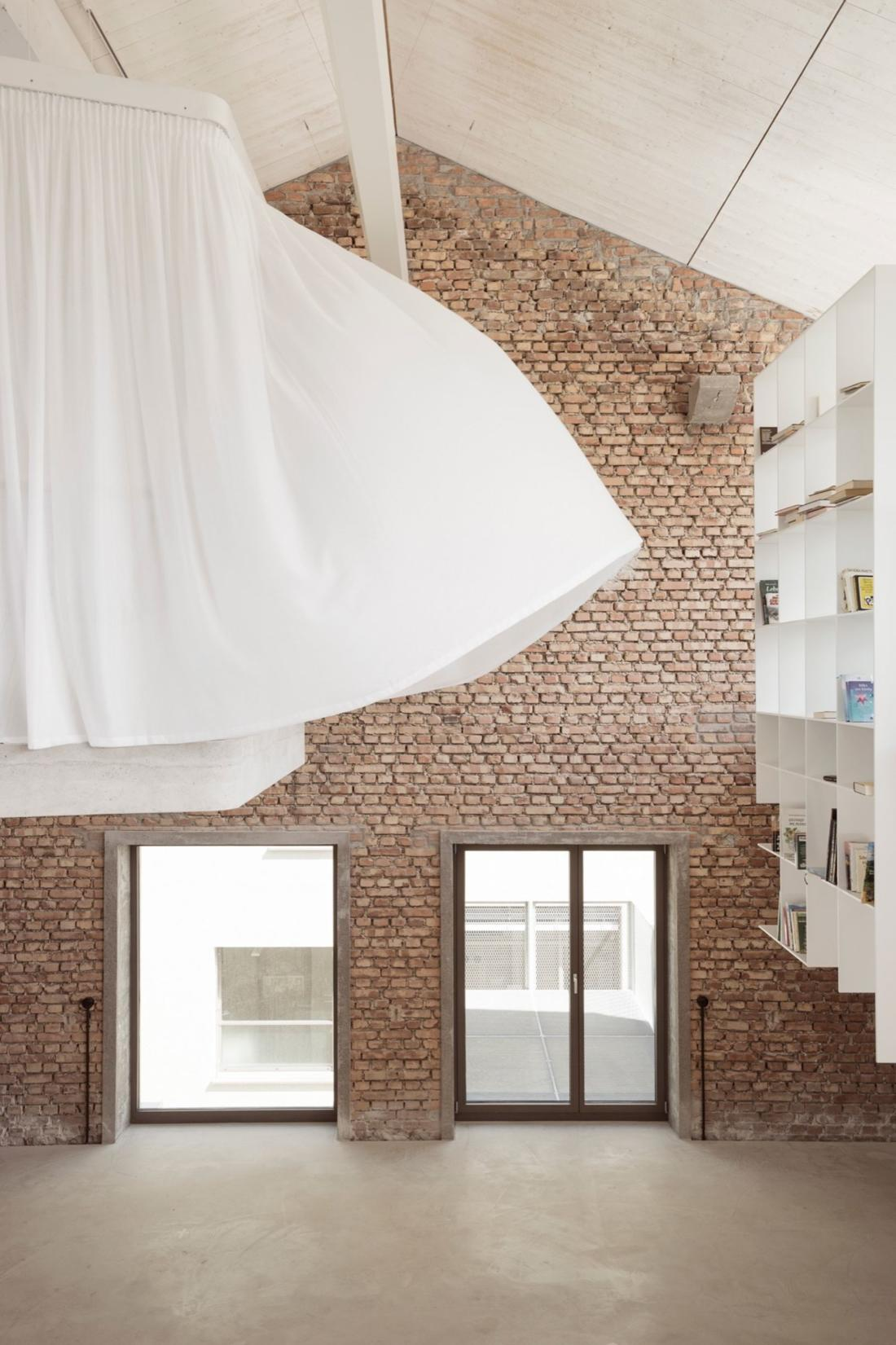 Проект Panzerhalle от студии Smartvoll Architekten ZT KG 20