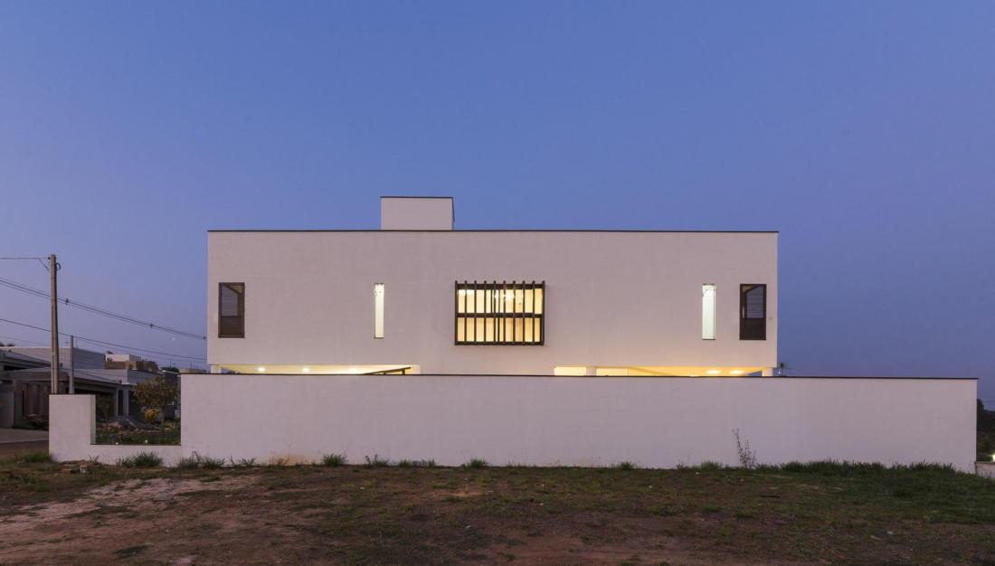 Современный дом от студии Vertentes Arquitetura 12