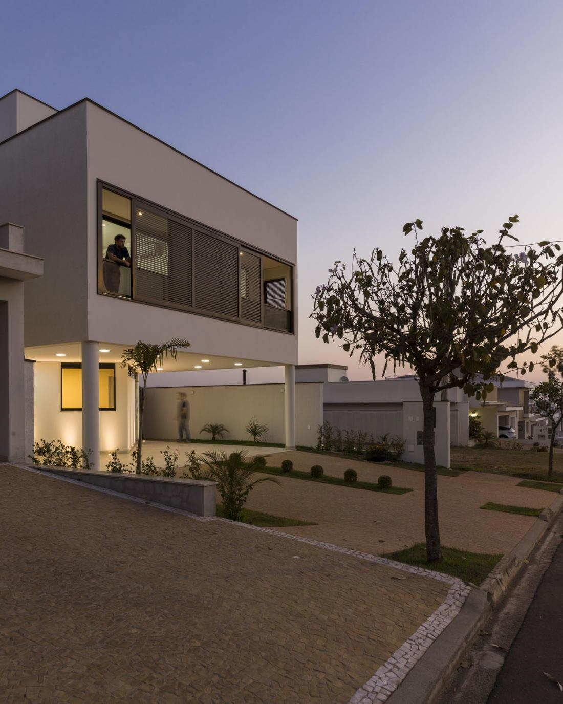 Современный дом от студии Vertentes Arquitetura 16