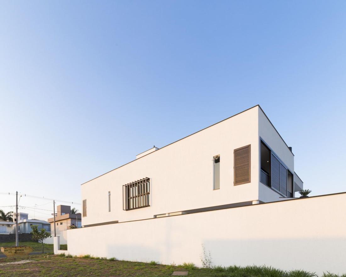 Современный дом от студии Vertentes Arquitetura 8