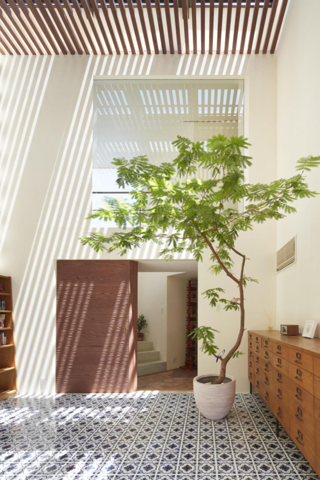 Дом в Хигасиосаке от ателье Fujiwaramuro Architects 14