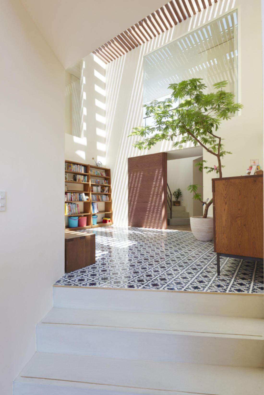 Дом в Хигасиосаке от ателье Fujiwaramuro Architects 8