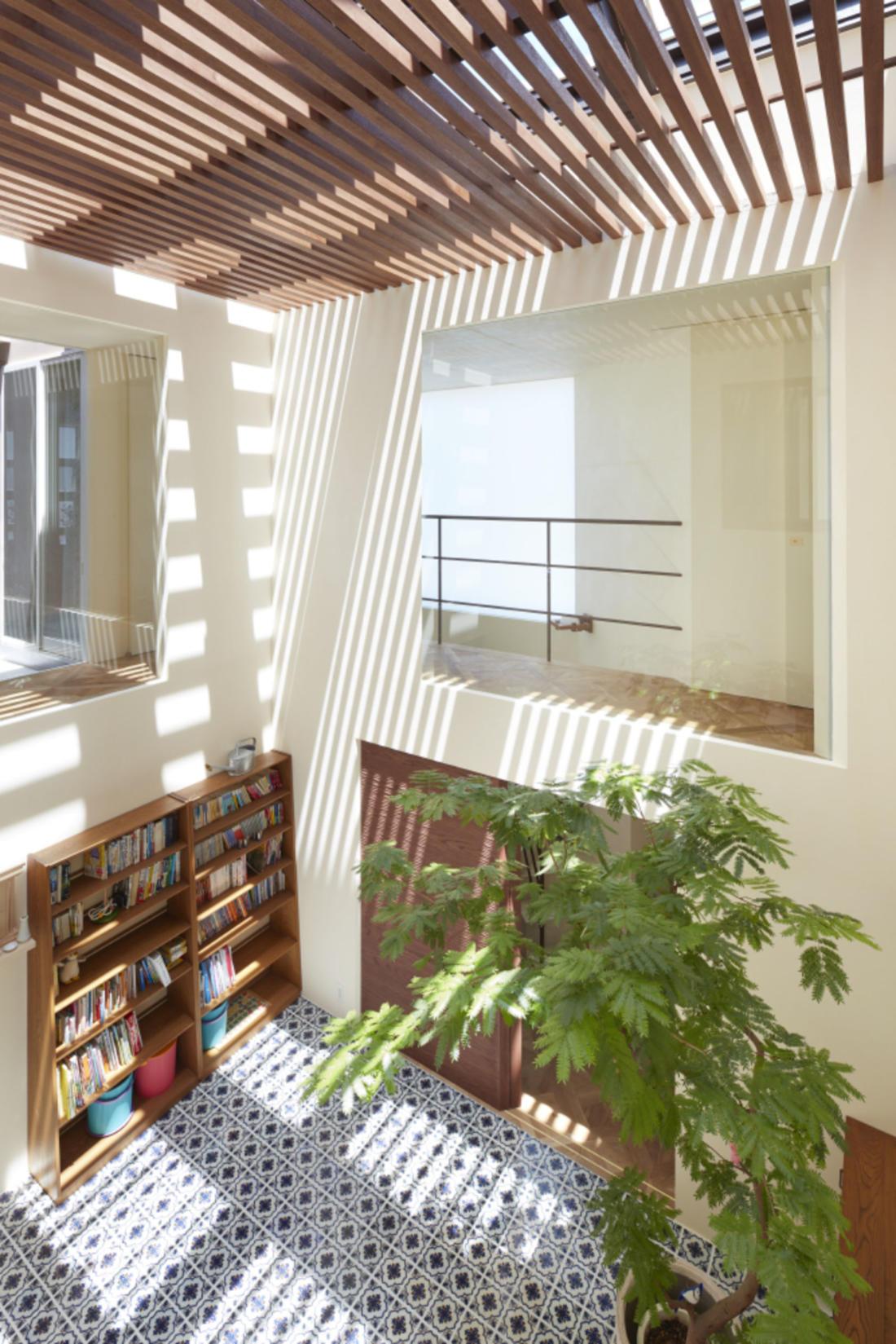 Дом в Хигасиосаке от ателье Fujiwaramuro Architects 9