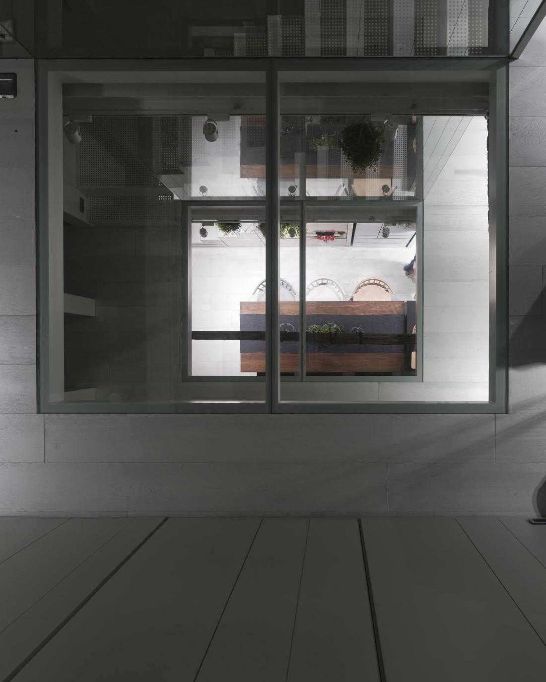 Дом в густонаселенном Тайбэе от студии KC Design Studio 12