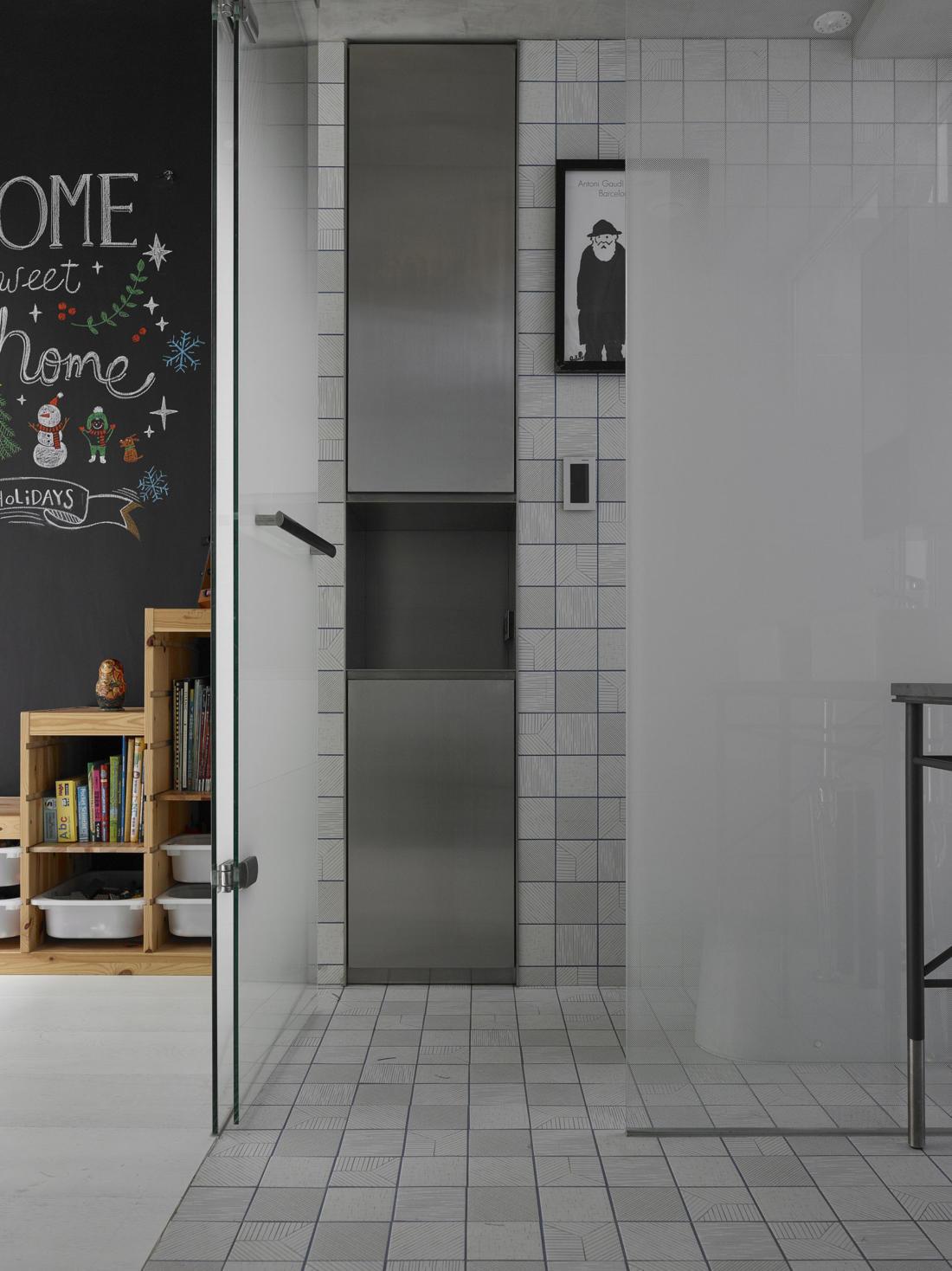 Дом в густонаселенном Тайбэе от студии KC Design Studio 13
