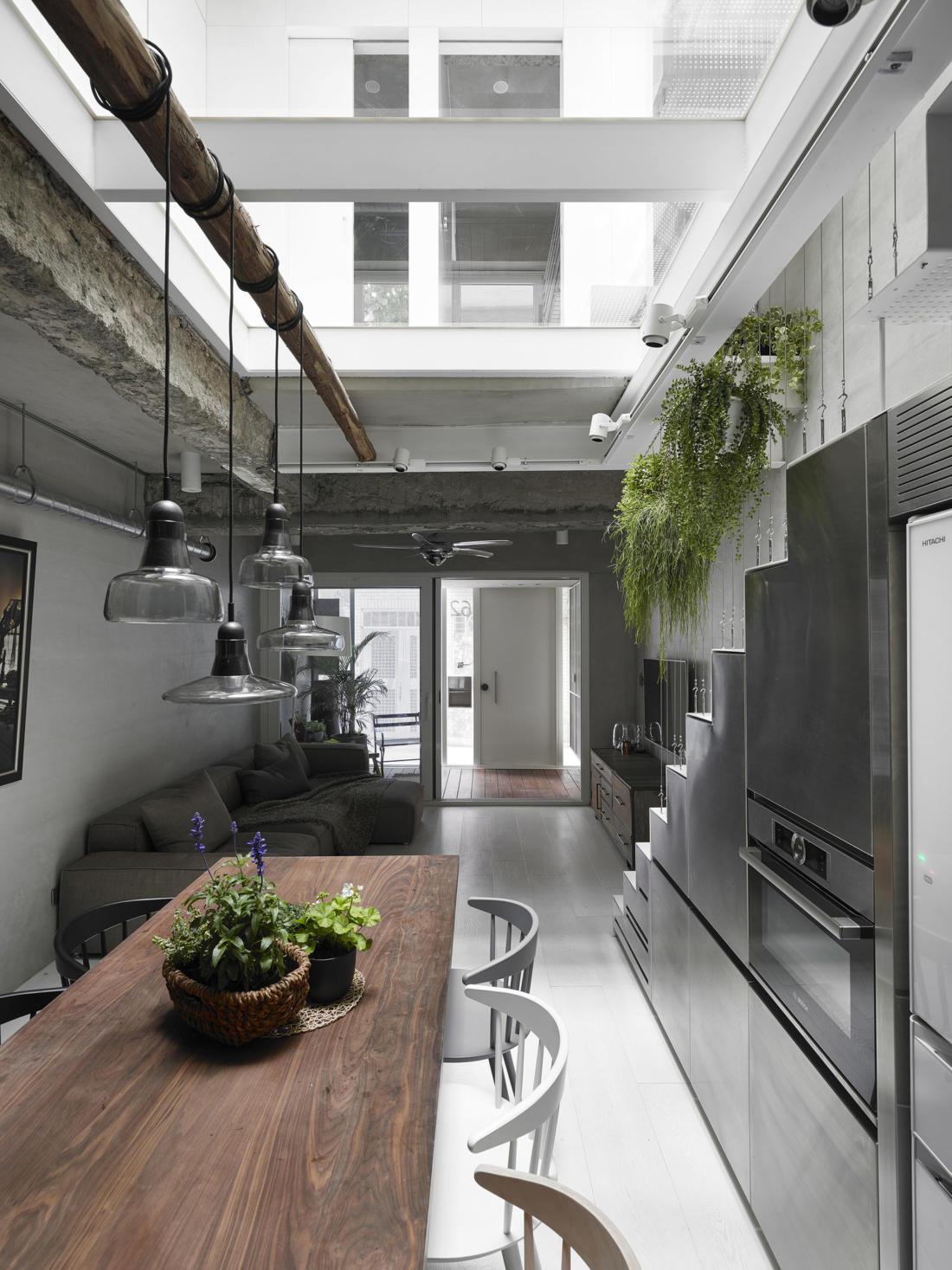 Дом в густонаселенном Тайбэе от студии KC Design Studio 3