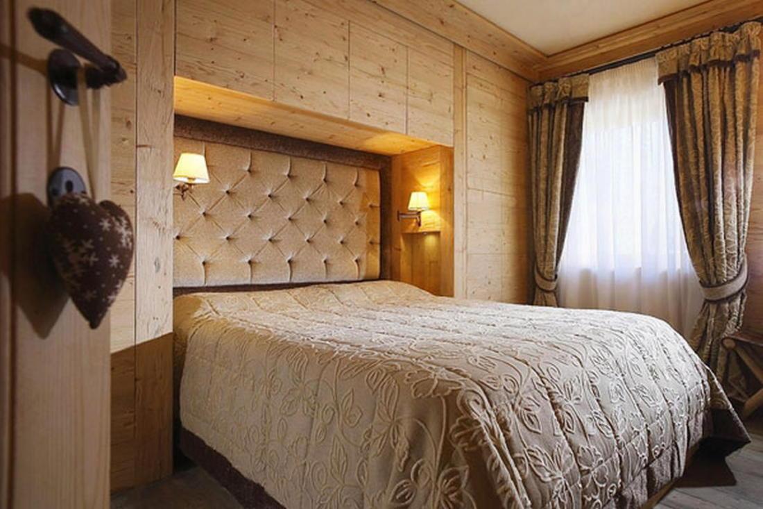 Деревянный интерьер дома по проекту Gianpaolo Zandegiacomo 008