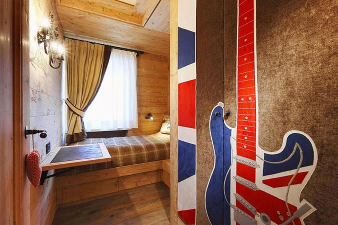 Деревянный интерьер дома по проекту Gianpaolo Zandegiacomo 011