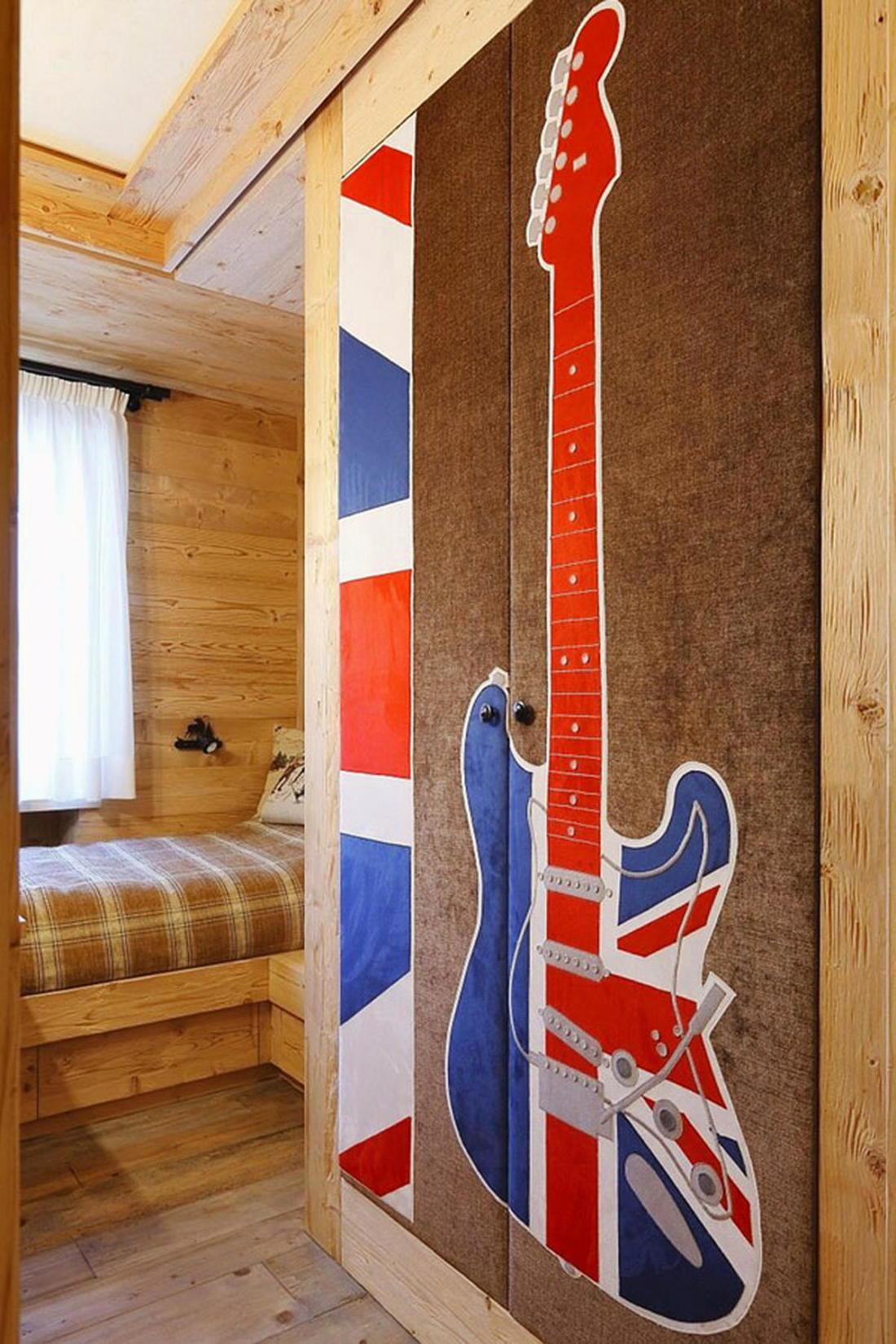 Деревянный интерьер дома по проекту Gianpaolo Zandegiacomo 012