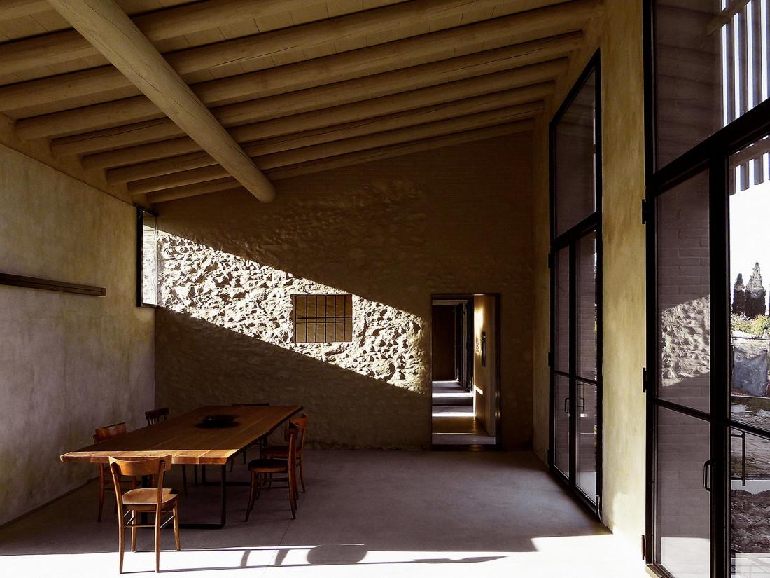 Реставрация виллы Brolo Saccomani в Италии от студии Bricolo Falsarella 12