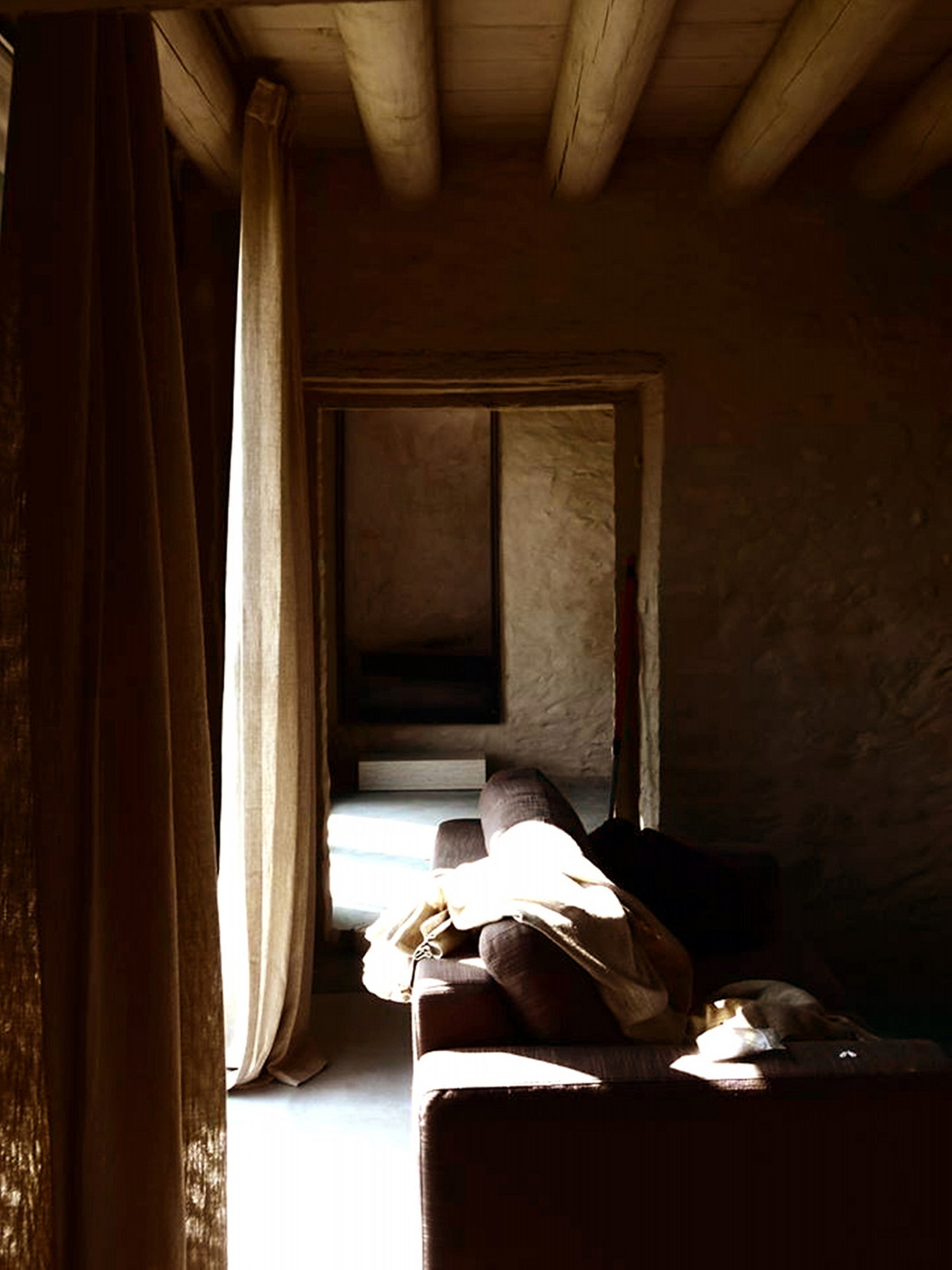 Реставрация виллы Brolo Saccomani в Италии от студии Bricolo Falsarella 14