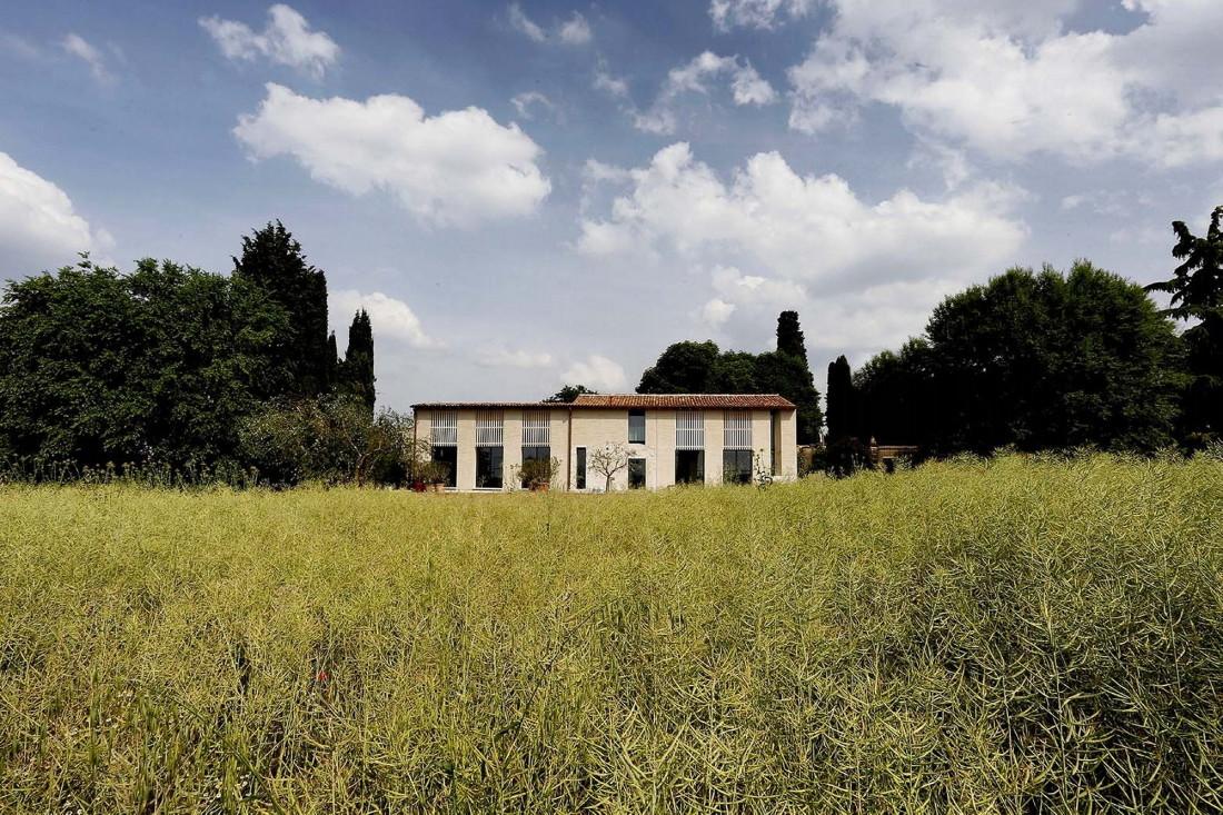Реставрация виллы Brolo Saccomani в Италии от студии Bricolo Falsarella 6